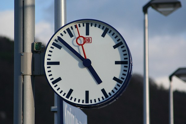 Clock on Nuremberg–Ingolstadt high-speed railway line | Photo S. Terfloth