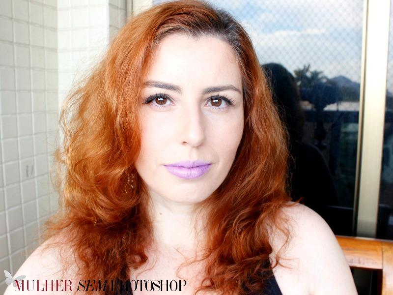 Mistura branco e roxo Natura Faces na pele
