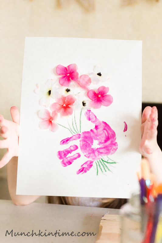 Mother's Day Gift Ideas - Kids Craft from Munchkin Time