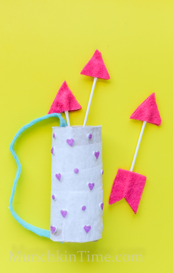 Qtip Felt Arrows by munchkintime -- www.munchkintime.com #kidscraft #qtip