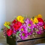 DIY – Daisy Carnation Daffodil Flower Centerpiece
