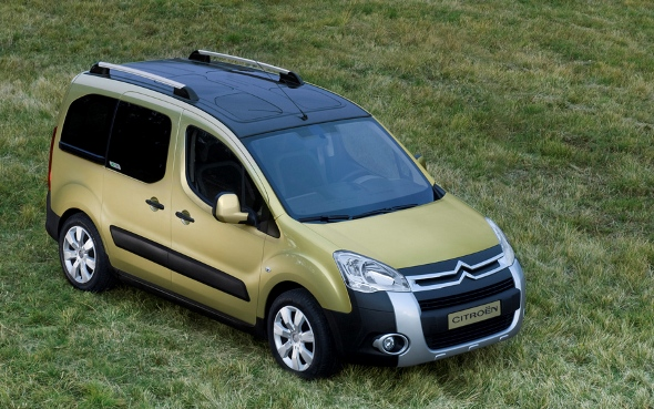 citroen_berlingo_xtr_02.jpg