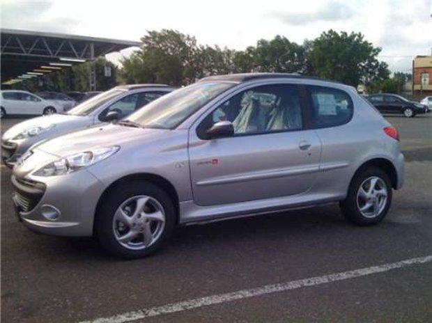 Peugeot-207-Compact-Quiksilver-00