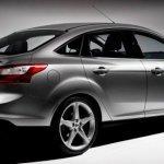 Ford-Focus-2011-02