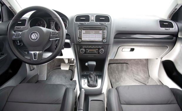 Volkswagen-Jetta-variant-02