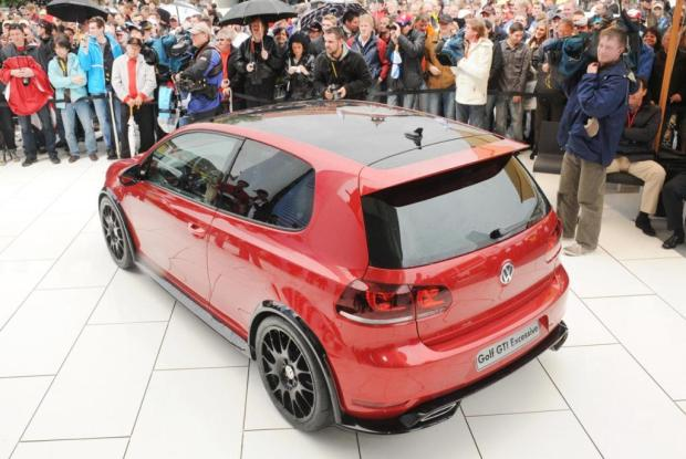 Volkswagen-Golf-GTI-Excessive-02