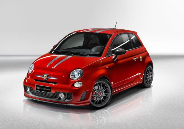 Fiat 500 abarth_695_tributo_ferrari_00
