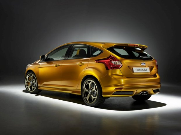 Ford-Focus-ST-2012-07