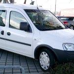 Opel-Vauxhall Combo 03