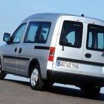 Opel-Vauxhall Combo 04