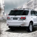 Toyota Fortuner 2012 02