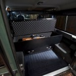 Land-Rover-Defender-Blaser-Edition-3