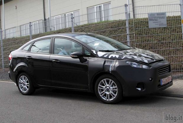 ford-fiesta-sedan-fotos-espia-5