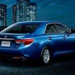 Toyota-Mark-X-2013-3