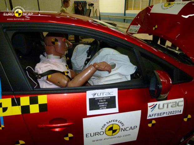 nuevo-renault-clio-crash-test-4