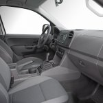 Volkswagen-Amarok-Cabina-Simple-11