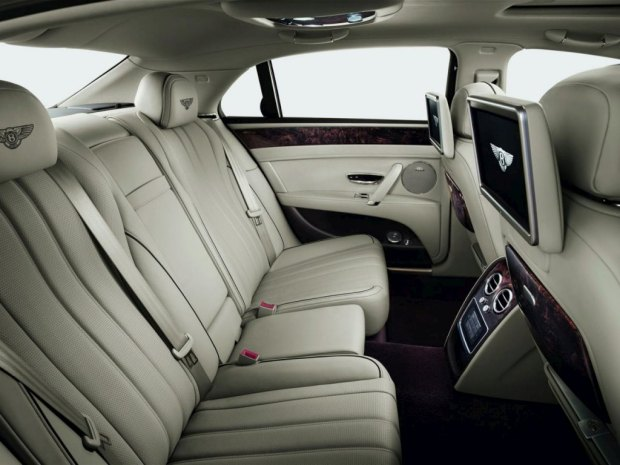 bentley-flying-spur-9-atras