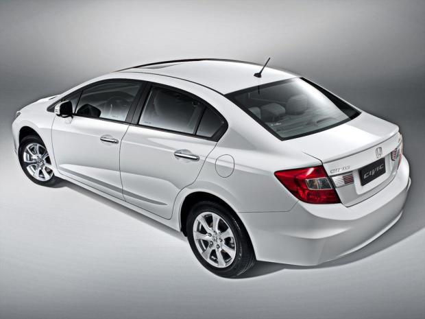 Honda-Civic-Gama-2013-3