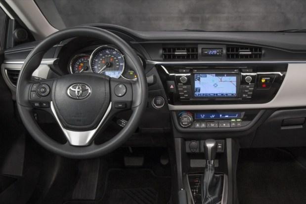 Toyota-Corolla-35-2014