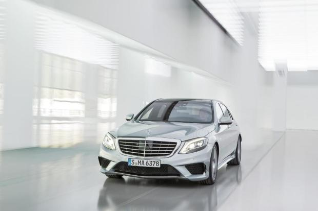 Mercedes-Benz-S63-AMG-2013-1
