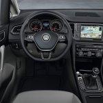 VW-Golf-Sportvan-3