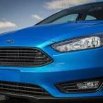ford-focus-sedan-2015-0