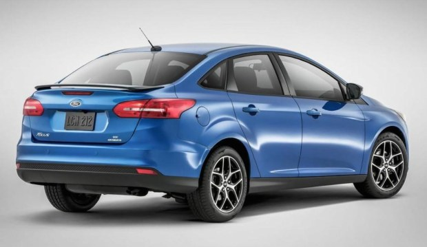 ford-focus-sedan-2015-4