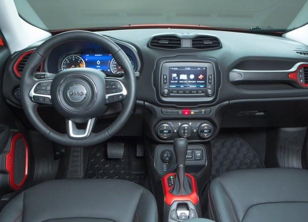 Jeep-Renegade_2015_5