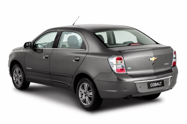 Chevrolet-Cobalt-2015-4