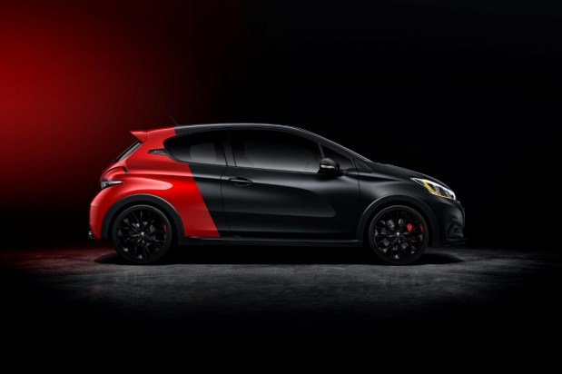 Peugeot-208-Restyling-2015-4