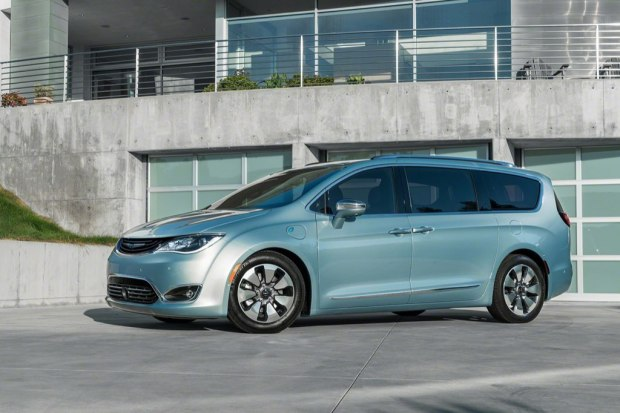 chrysler-pacifica-2017-13