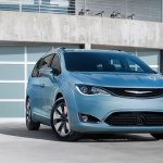 chrysler-pacifica-2017-16