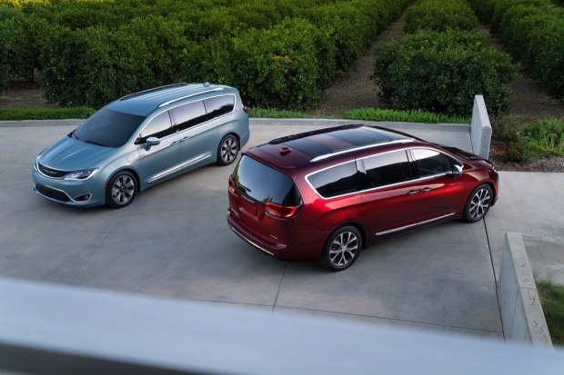 chrysler-pacifica-2017-9