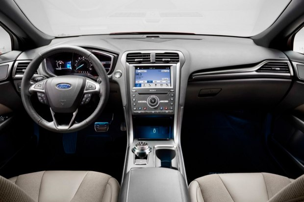 ford-fusion-v6-sport-salta-baches-2
