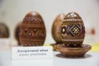 Ovos de madeira
