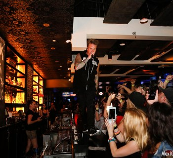 Rock For Freedom feat. Papa Roach at Lucky Strike Hollywood - photo Alex Kluft