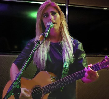 Jessica Meuse live review photo by Heather Allen