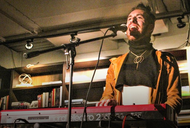 Michael Blume live review - Photo by Mark Shiwolich