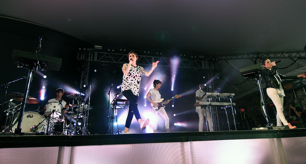 Tegan and Sara, 9/217/2016, Stubb's Austin, Photos – Write-up