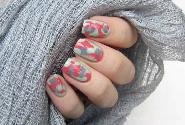 Plastic wrap nail art