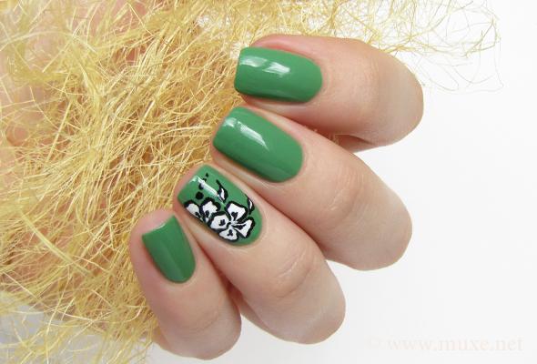 Lumene Awakening green nail polish