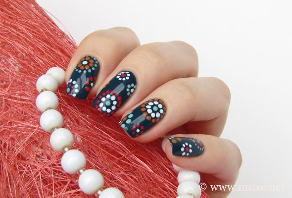 dots circles mari's nail