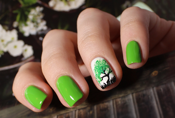 Green tree nail design