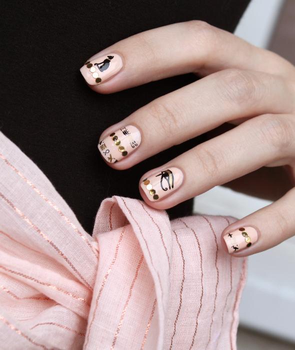 Egyptian hieroglyph nails
