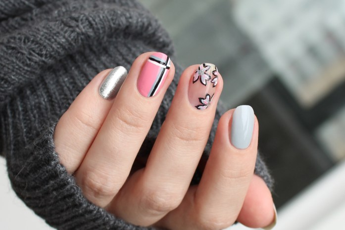 Pink blue nail art with flowers