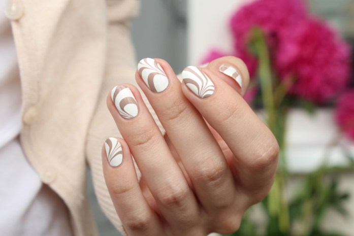 Coffee cappuccino water marble nails