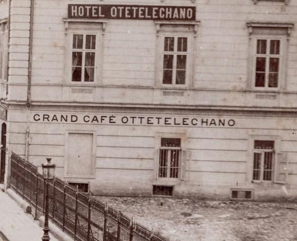 Casa Otetelesanu si curtea unde se va organiza terasa cu acelasi nume.