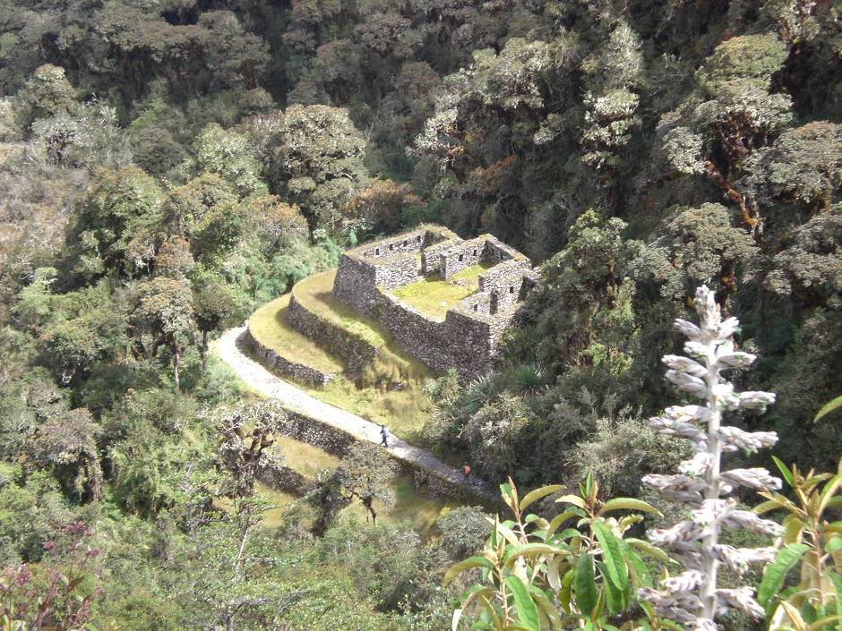 Places to visit in Peru: one of the many hidden sites, only accessible via the official Inca Trail