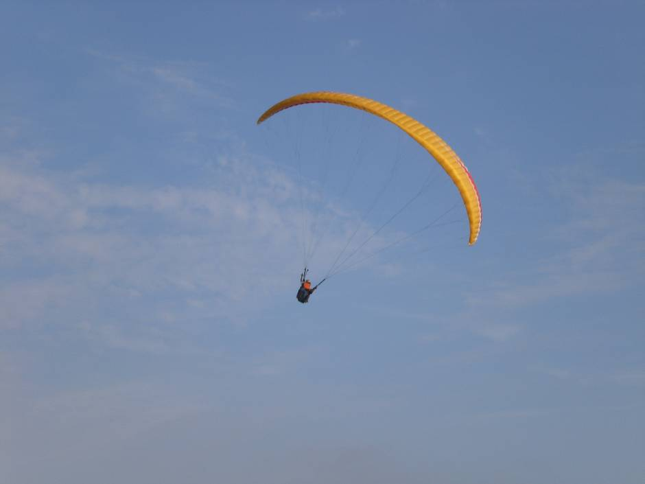 Things to do in Lima: paragliding in Miraflores