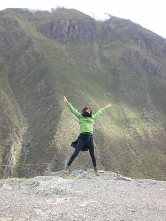 Jumping around the Sacred Valley - Ollantaytambo
